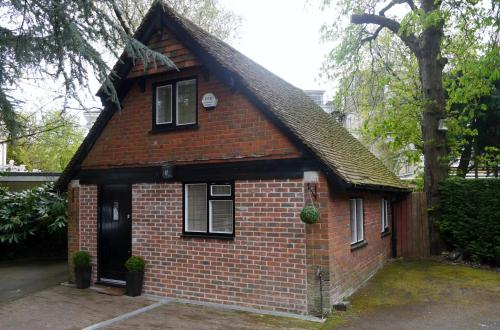 Tudor Cottage Lodge