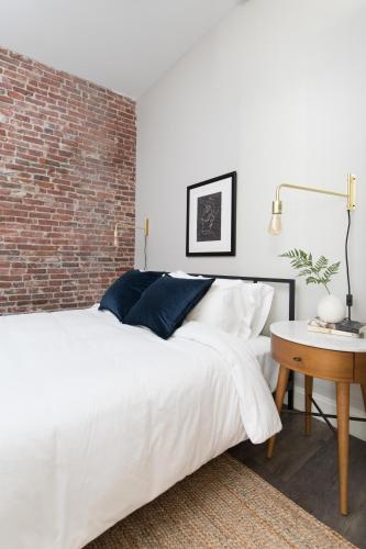 Three-Bedroom on Hamilton Place Apt 305