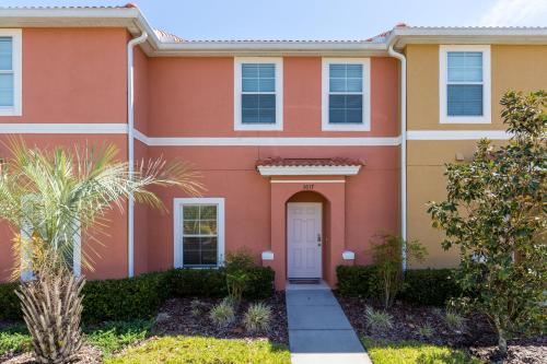 Lake view townhome close to Disney Parks