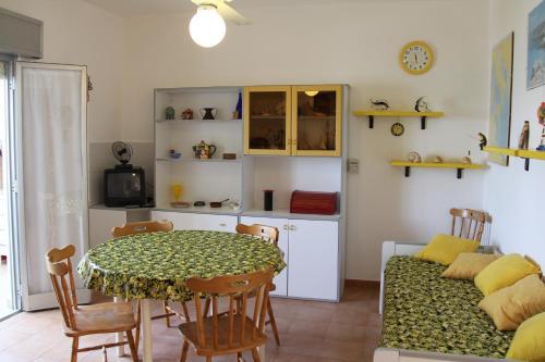 Isola di Lampedusa: i 10 migliori hotel vicino alla spiaggia ...