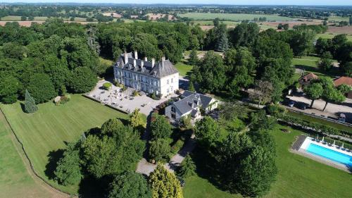 Château d'Ygrande - les Collectionneurs