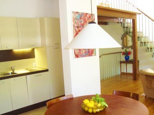 A kitchen or kitchenette at Residenza Alice 2
