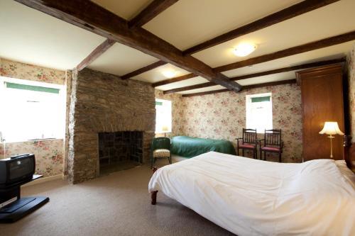 Woodhill House