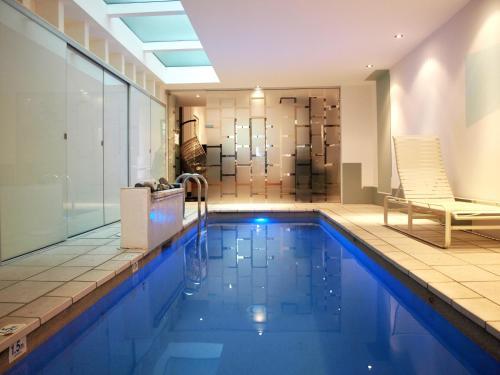 Architect Designed Terrace + indoor jet pool on Alexandria
