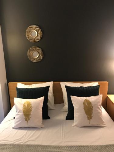 02cc79c7842c Locus Apartment (Польша Краков) - Booking.com