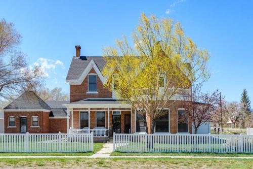 Seven Gables Home