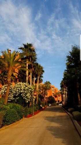 Marbella Sur Une Colline Enchanteresse