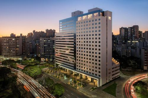 Excelente Hotel Intercity Cidade Baixa