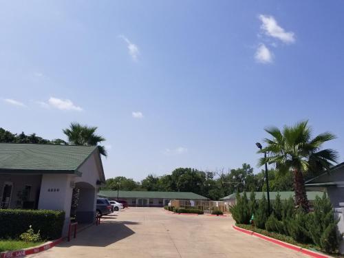 Haltom Inn Fort Worth