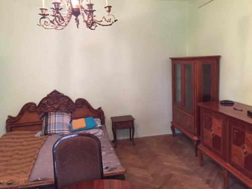 A seating area at Cosy Apartment in Tbilisi