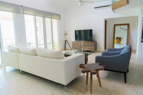 3BR / 3BA Modern Paradise Loft Condo in Gated Community w/ Daily Housekeeping