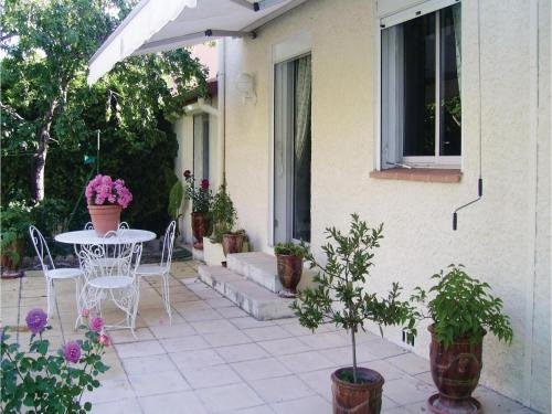 Studio Holiday Home in Nimes