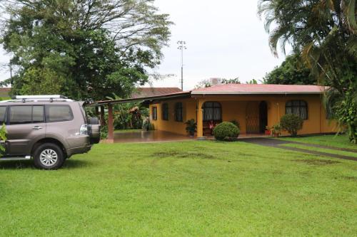 Arenal Glamping Hostel