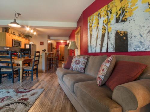 Tenderfoot Lodge 2673