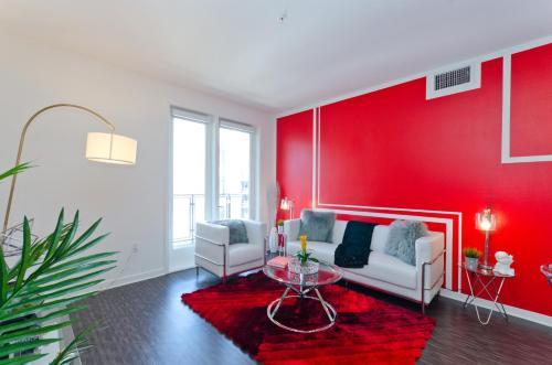 Downtown LA Governor Suite