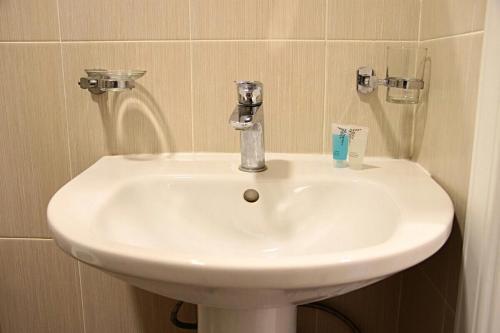 A bathroom at Квартира на Каирбекова