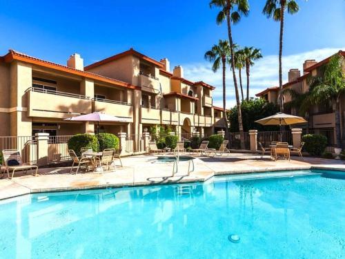 Sun, Swim & Relax At Private Resort Community!