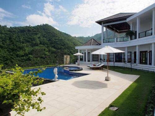 Villa Angin Halus