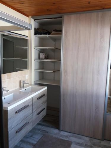 A bathroom at La douanière