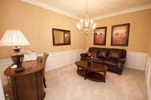 A seating area at Cayview House #231539