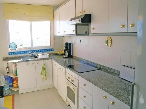A kitchen or kitchenette at Apartment Calle Miguel Morillo