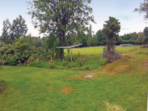 En trädgård utanför Holiday home Noltorp Vårgårda