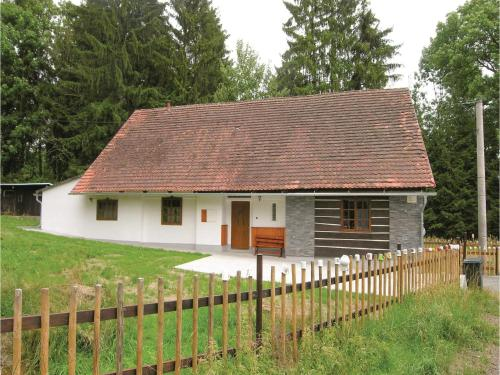 Three-Bedroom Holiday Home in Predslav