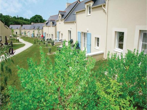 Three-Bedroom Holiday Home in Le Tronchet