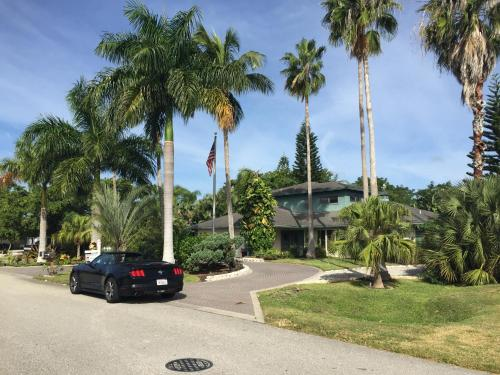 Naples Home Near Vanderbilt Beach