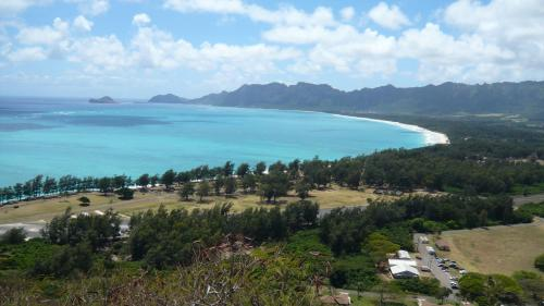 2.5 Bedroom Waimanalo Beach Lots Hideaway House