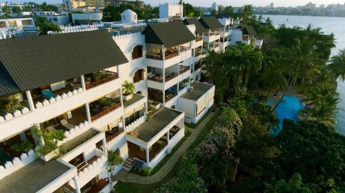 Tamarind Village Apartments