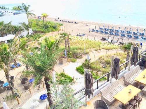 Apartment Miami Vacation Rentals at Beachwalk, Hallandale Beach, FL ...
