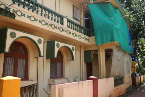 3-BR stay near Candolim beach, by GuestHouser