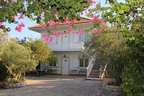 Eleni Houses