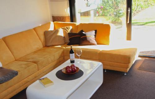 A seating area at Komfort-Meerhaus Aida