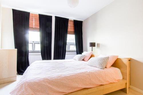 Foto hotell Spacious 3 Bedroom Apartment