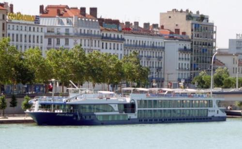 Fairtours Hotelschiff Leonora****