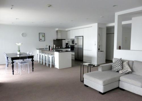 Auckland City Central Apartment