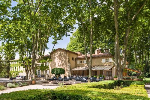 Le Moulin de Vernègues Hôtel & Spa