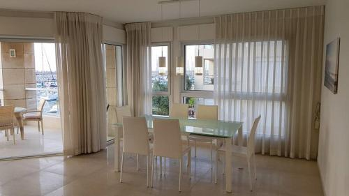 Apartments in Herzliya on Haogen 4 rooms