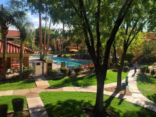 Luxury family 3 bedroom condo with pool, spa, tennis, sandvolley, clubhouse