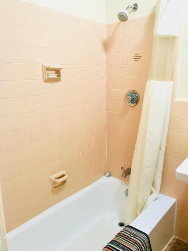 Brookwood Motel  Roanoke Rapids  NC   Booking com. Roanoke Rapids Fine Dining. Home Design Ideas
