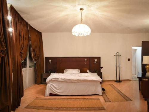 A bed or beds in a room at Apartmani Li