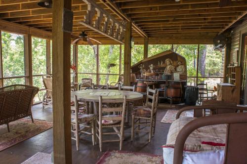 Lodge On Lake Siesta