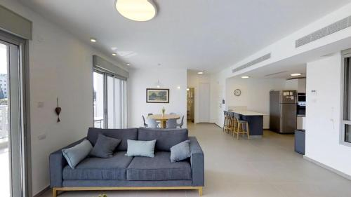 Herzliya Luxury - 4 BR on the Park