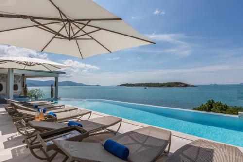 Yo Villa - Barefoot Waterfront Luxury