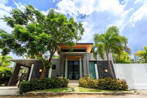 Baan Bua Villa by Railand