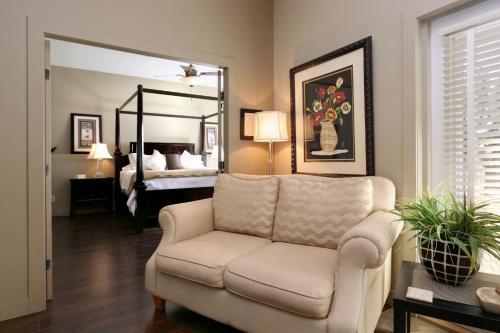 The Hopeless Romantic Guest Suites