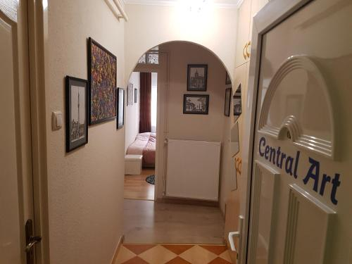 Central Art Apartman