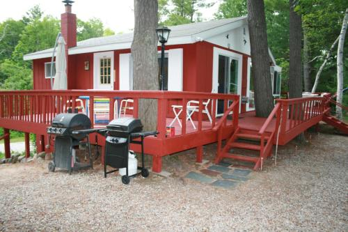Tall Pines Cottage on Pearl Lake